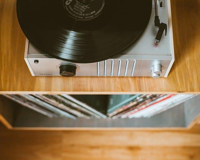 vintage vinyl record storage