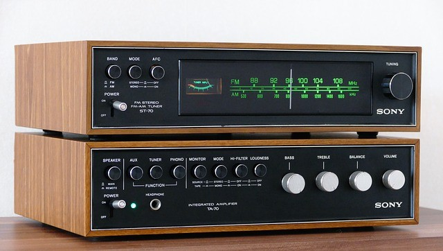 Premier Records home page amplifier image